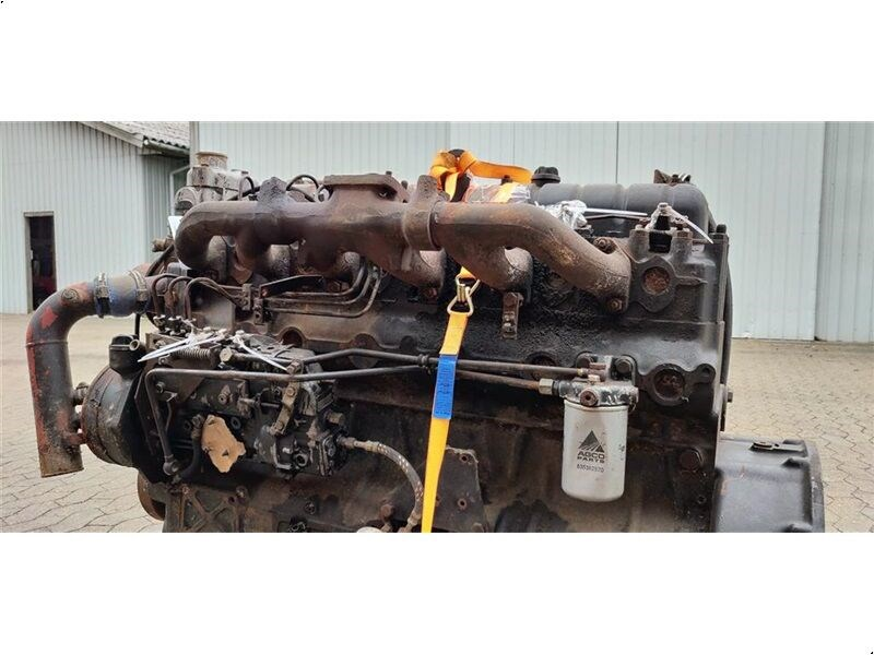 Silnik VALMET 612 DSJL Defekt for parts do kombajnu MASSEY